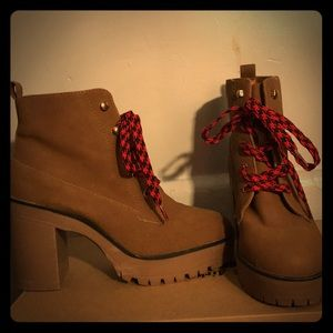 Forever 21 brown chunky heel boot